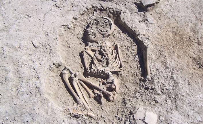 Arslantepe'de 5700 yıllık çocuk iskeleti bulundu