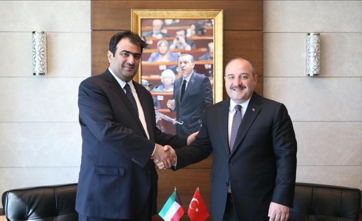 Bakan Varank, Kuveytli mevkidaşı ile Teknopark'ı ziyaret etti
