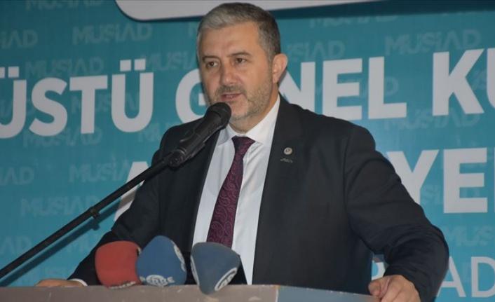 Türkiye ekonomisi pozitif büyümeye doğru ilerlemektedir