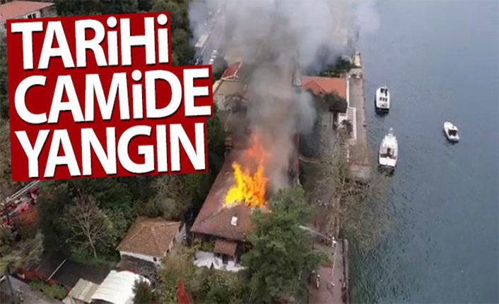 İstanbul'dan son dakika haberi... Tarihi cami yandı! Vaniköy Camiinde büyük yangın