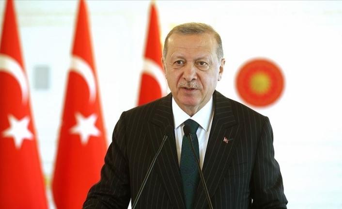 Cumhurbaşkanı Erdoğan: Diline, ırkına, dinine bakmadan tüm insanlara yardım elimizi uzatıyoruz
