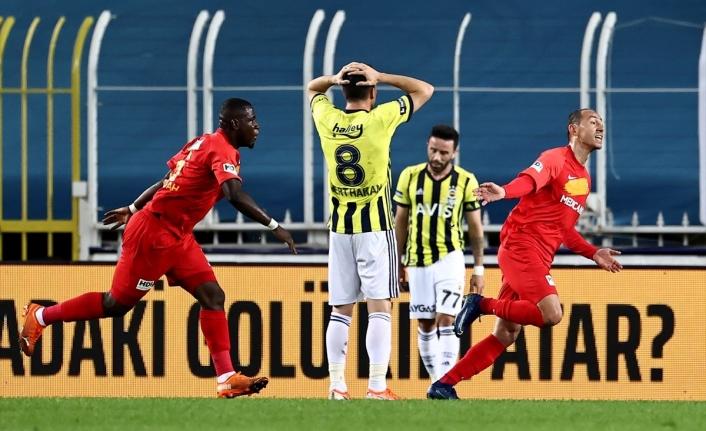 Fenerbahçe'nin kalesi Kadıköy çöktü! Tarihte bir ilk yaşandı