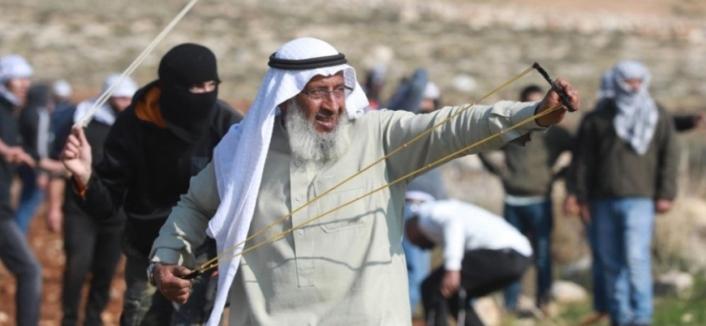 """İsrail mahkemesi Filistin'in """"ihtiyar delikanlısı""""nın gözaltı süresini ikinci kez uzattı"""