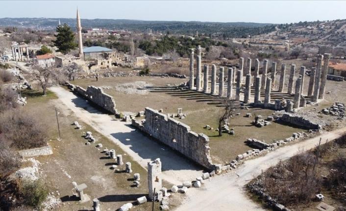 Mersin'deki Uzuncaburç Antik Kenti'nin 2 bin 300 yıllık tarihi özel restorasyonla yansıtılacak