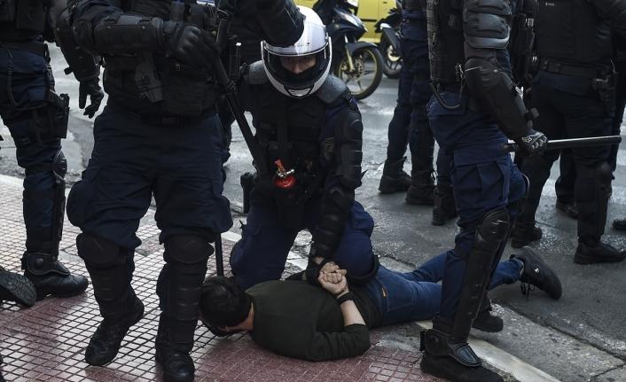 Yunanistan'da üniversite öğrencileri sokağa döküldü