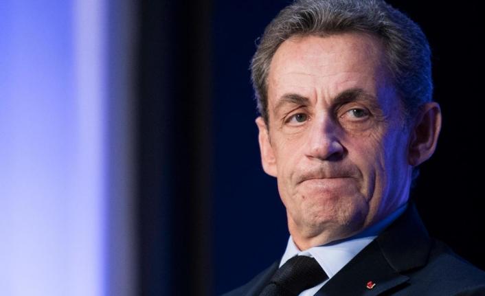 Eski Fransa Cumhurbaşkanı Sarkozy 3 yıl hapis cezasına çarptırıldı