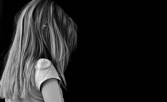Fransa'da 1950'den bu yana kiliselerde en az 10 bin çocuk istismara uğradı
