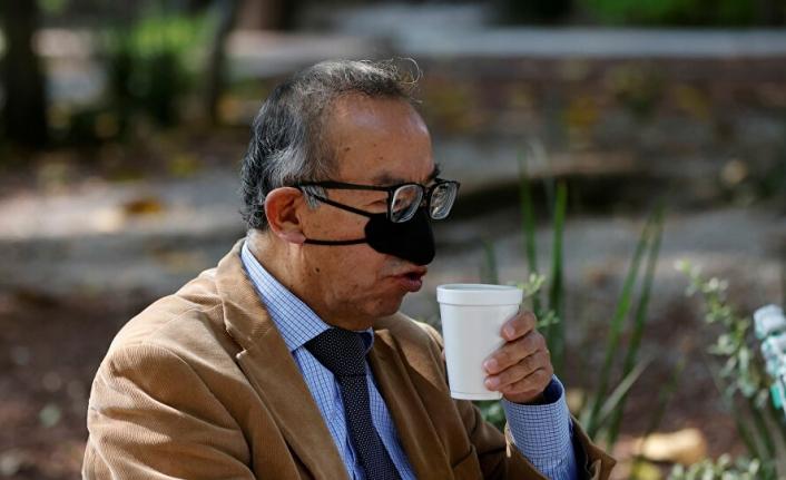 Yemek Yerken de COVID-19'dan Korunabileceğiniz(!) Burun Maskesi Tasarlandı
