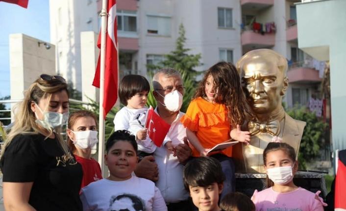 CHP'li Mezitli Belediyesi Atatürk büstünü törenle açtı