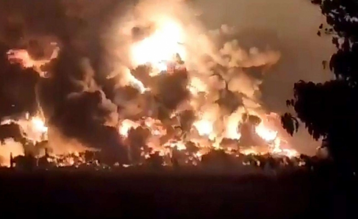 Son dakika: Rusya Suriye'de katliam yaptı: 200 kişi hayatını kaybetti