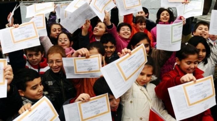 MEB'den karne açıklaması: İsteyen veliler için basılı olarak verilecek