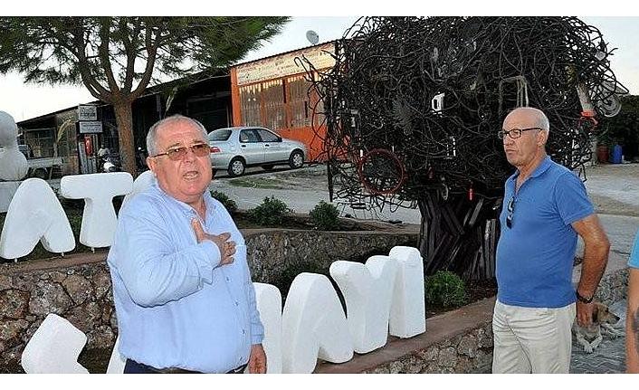 CHP'li belediyeye heykel şoku! Belediye başkanı pes etmedi bakın ne yaptı
