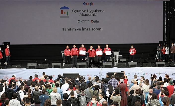 Google Oyun ve Uygulama Akademisi 2 bin genç için teknoloji kariyeri kapısını aralıyor