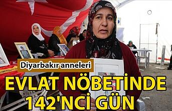 Diyarbakır annelerinin dağa kaçırılan çocuklarına kavuşma ümidiyle başlattığı evlat nöbeti 142'nci gününde