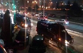 Pakistan'da Türk şirketlerine gece polis baskını