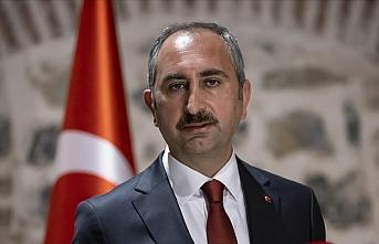 Adalet Bakanı Gül: Hadsizlerin kutsalımız Kabe'ye saygısızlığına hukuk göz yumamaz