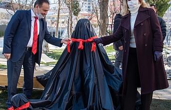 CHP'li Bilecik Belediyesi'nden Atatürk ve köpeği Foks'un heykeli