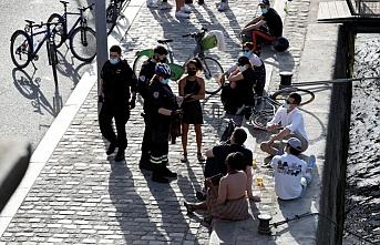 Fransa, koronavirüse karşı açık havada alkolü yasakladı