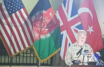 Türk bayrağını arkasına alan ABD'li komutandan kritik açıklama!