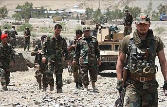 Afganistan'ın merkezi ve güneyinde 3 vilayet merkezi daha Taliban kontrolüne geçti