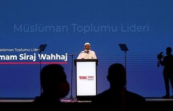 Erdoğan'dan önce kürsüye çıktı, bir cümle edip indi: O bütün Müslümanların lideri