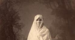 Osmanlı'da Kadınların Giyimi nasıldı?