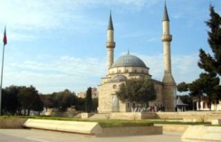 KARDEŞ ÜLKE AZERBAYCAN, HOPARLÖRDEN EZAN OKUMAYI...