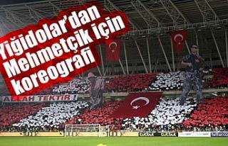 Sivasspor taraftarlarından Mehmetçik için koreografi