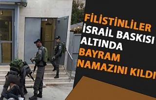 Filistinliler, İsrail baskısı altında bayram namazını...