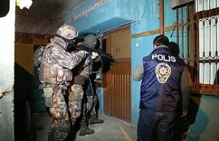 FETÖ'ye İstanbul merkezli 33 ilde operasyon:...