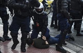 Yunanistan'da üniversite öğrencileri sokağa...