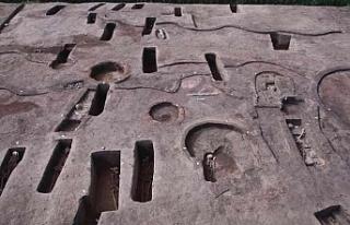 Beş bin yıl öncesine ait 110 antik mezar bulundu!...