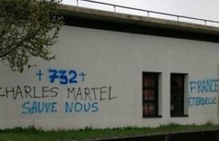 Fransa'nın Rennes kentinde camiye çirkin saldırı:...