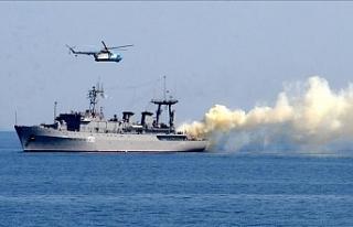Rus savaş gemileri Karadeniz'de, Ukrayna ordusu...