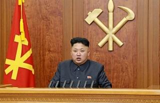 Kuzey Kore'de dar kot pantolon ve aslan yelesi saç...