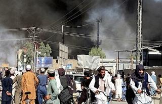 Taliban başkent Kabil'e girmeye başladı
