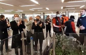 Sivasspor kafilesi gecikmeli olarak Tel Aviv'den ayrıldı