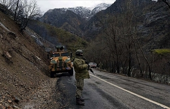 PKK'da 28 yıldır faaliyet yürüten örgüt mensubunun da bulunduğu 5 terörist ikna yoluyla teslim oldu