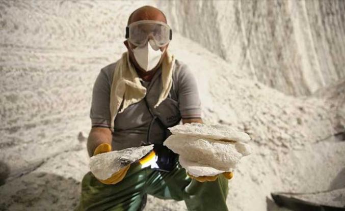 800 yıllık madenden yılda 150 bin ton tuz çıkarılıyor