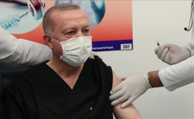Cumhurbaşkanı Erdoğan, Kovid-19 aşısının ikinci dozunu yaptırdı